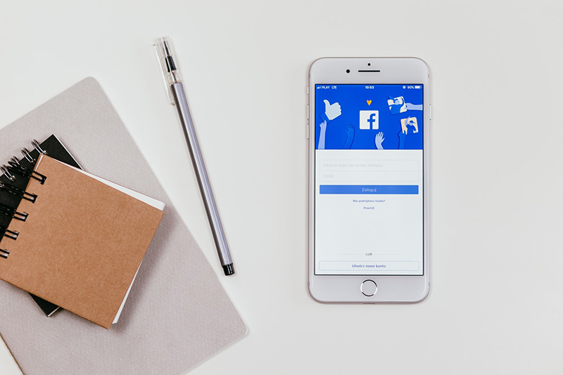 A note pad and smartphone